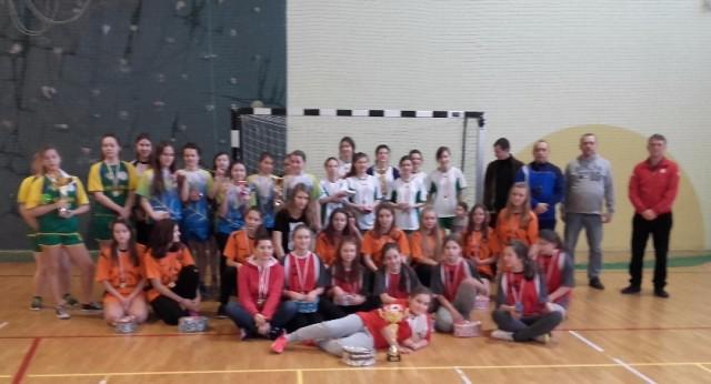 Sport, Turniej piłce halowej dziewcząt - zdjęcie, fotografia