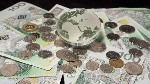 Felietony, Polski złoty prawdziwym ulubieńcem międzynarodowych spekulantów zagranicznych lichwiarzy - zdjęcie, fotografia