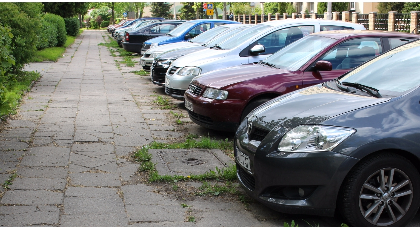 PREWENCJA, Mężczyzna zapomniał gdzie zaparkował zgłosił kradzież policję - zdjęcie, fotografia