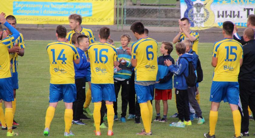Piłka Nożna, zgoda zwiększenie dotacji piłkarskiego - zdjęcie, fotografia