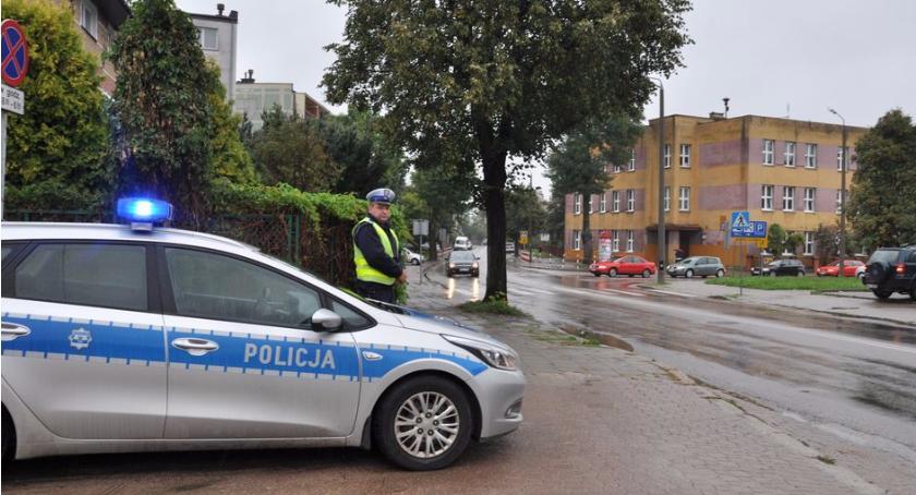 Prewencja , Bezpieczna droga szkoły bielską Policją - zdjęcie, fotografia