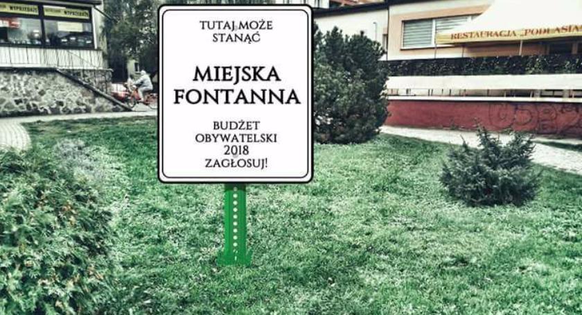 Inwestycje, Fontanna zamiast Placu zabaw siłownią boiskiem siatkówki - zdjęcie, fotografia