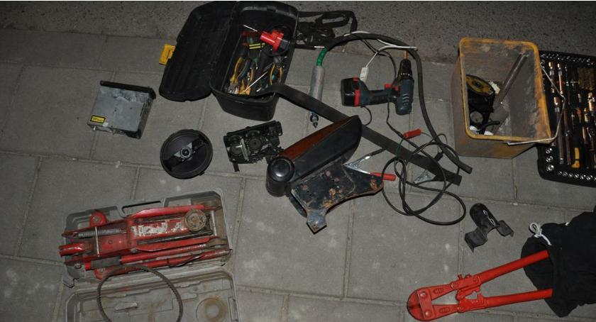 Przestępstwa i Wykroczenia , Policja złapała podejrzanego posiadanie amfetaminy włamania samochodów - zdjęcie, fotografia