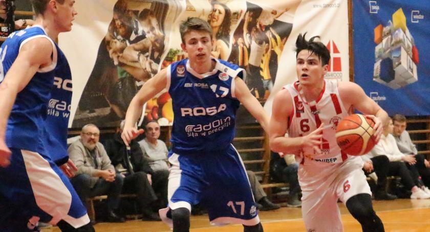 Koszykówka , Basket przegrywa Rosą Sport Radom - zdjęcie, fotografia