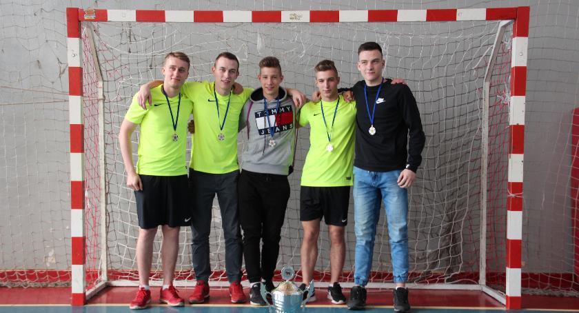 Futsal, Gwiazdy mistrzami Miejskiej Halowej - zdjęcie, fotografia