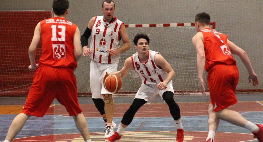 KOSZYKÓWKA, Basket pewnie pokonuje Łódź - zdjęcie, fotografia