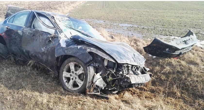 Wypadek, Wypadek trasie Topczewo Wólka Pietkowska Zawiniła prędkość - zdjęcie, fotografia