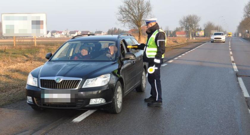 Przestępstwa i Wykroczenia , Bielska policja skontrolowała ponad kierujących - zdjęcie, fotografia