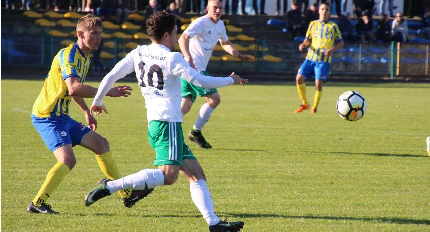 Piłka Nożna, Warta dzielą punktami - zdjęcie, fotografia