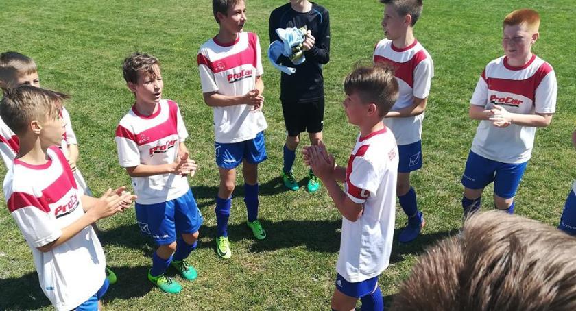 PIŁKA NOŻNA, Pewne zwycięstwa bielskiej piłkarskiej młodzieży - zdjęcie, fotografia