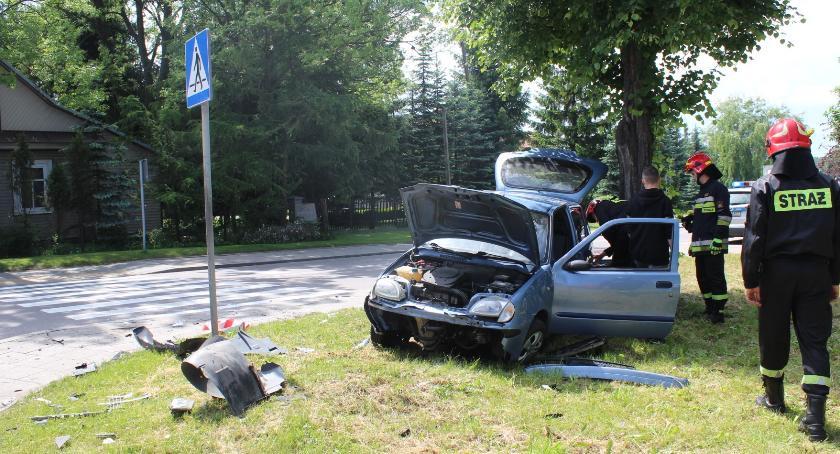 Wypadek, Bielsk Podlaski Zderzenie trzech osobówek - zdjęcie, fotografia