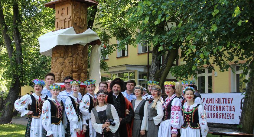 Historia, Odsłonięto pomnik upamiętniający Bielski - zdjęcie, fotografia