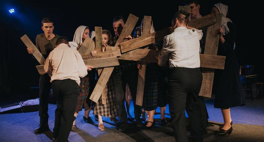 "Teatr, Spektakl ""AJCIEC KANSTANCIN BAJKO"" - zdjęcie, fotografia"