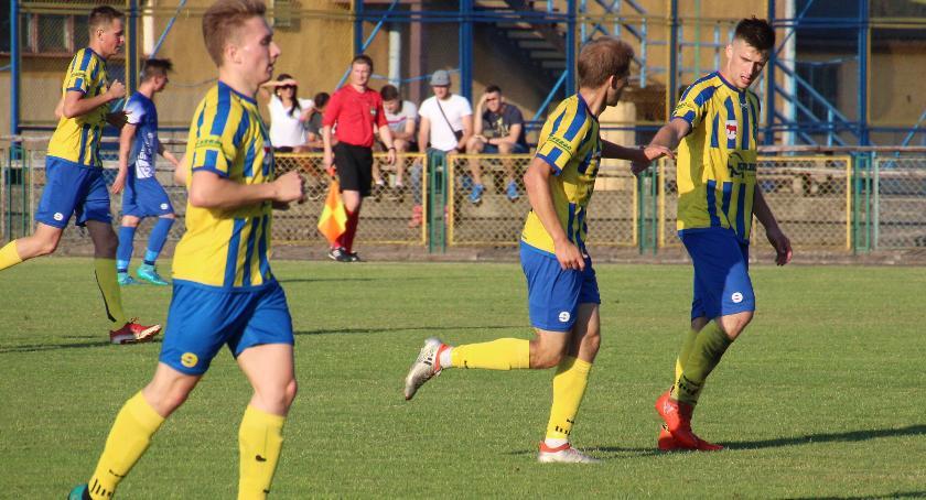Piłka Nożna, Porażka zakończenie sezonu - zdjęcie, fotografia