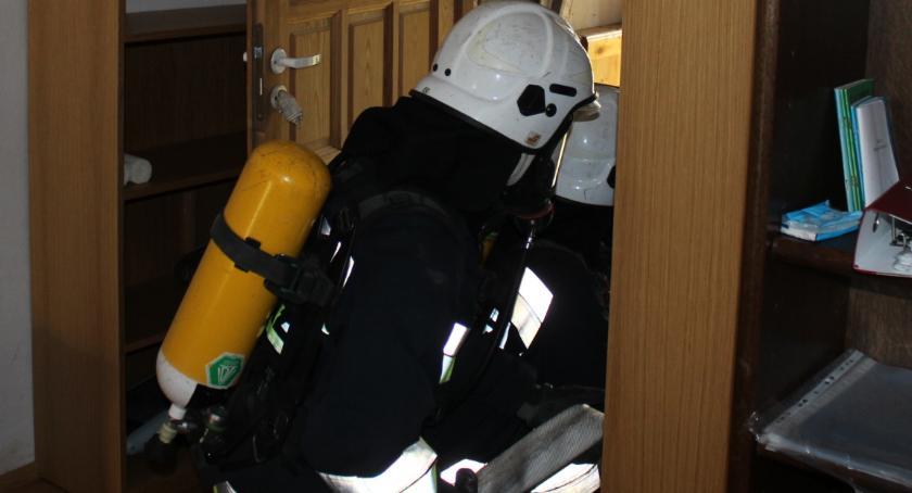 Wypadek, Bielsk Podlaski Strażacy usuwają straty wczorajszych burzach - zdjęcie, fotografia