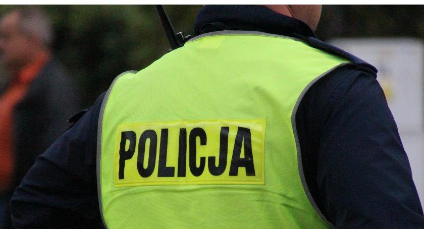 PRZESTĘPSTWA I WYKROCZENIA, Bielska policja pościgu zatrzymała pijanego kierowcę - zdjęcie, fotografia