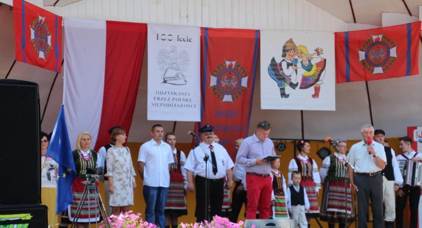 KONCERTY, Sobota Krajowy Festiwal Zespołów Ludowych działających - zdjęcie, fotografia