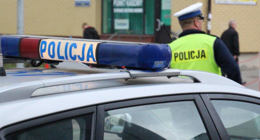PRZESTĘPSTWA I WYKROCZENIA, Policja zatrzymała pijanego bielszczanina kierownicą - zdjęcie, fotografia