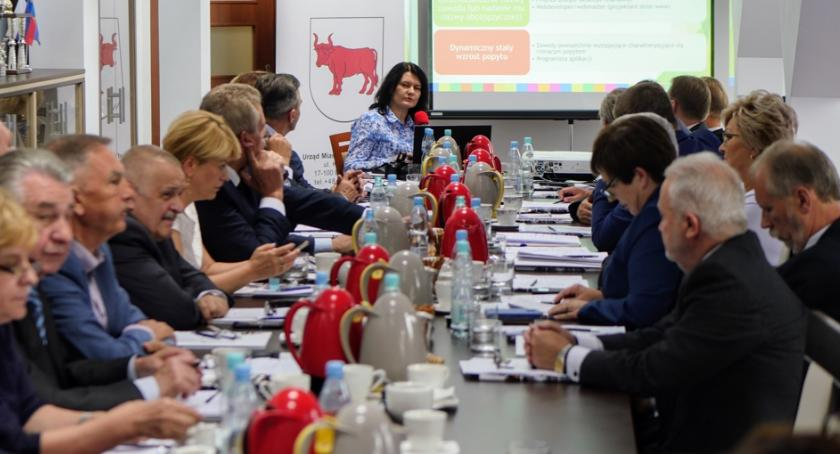 POLITYKA, Wojewódzka Dialogu Społecznego obradowała Bielsku Podlaskim - zdjęcie, fotografia