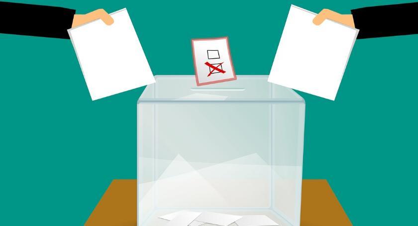 POLITYKA, Wybory mieście Bielsk Podlaski listy kandydatów - zdjęcie, fotografia