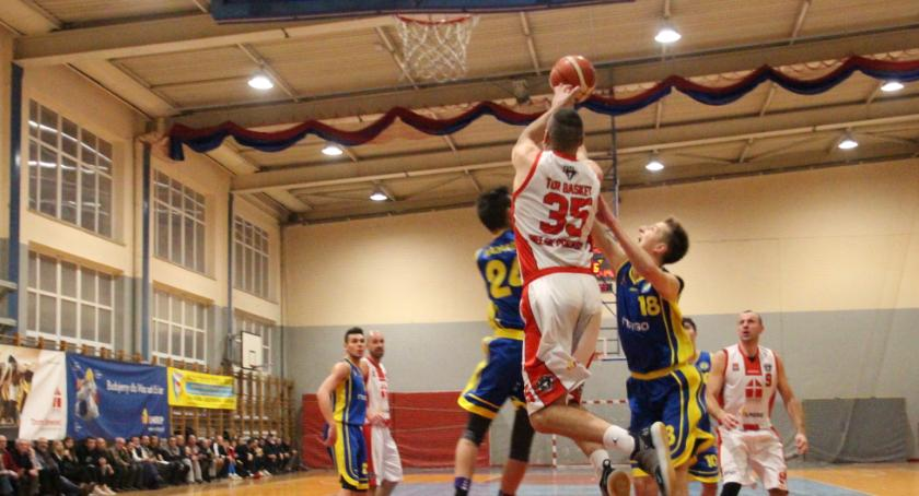 KOSZYKÓWKA, Basket wygrywa Nadarzyn - zdjęcie, fotografia