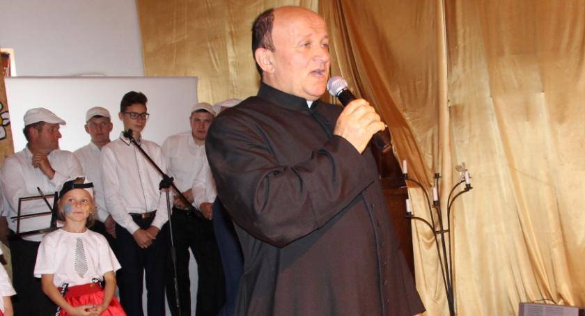 RELIGIA, [AKTUALIZACJA] Zbigniew Karolak odchodzi parafii Opatrzności Bożej - zdjęcie, fotografia