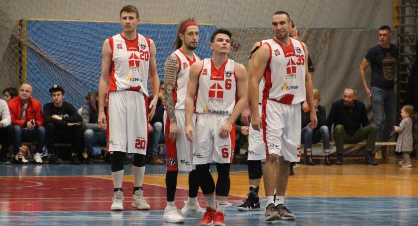 KOSZYKÓWKA, Basket wygrywa Siarką Tarnobrzeg - zdjęcie, fotografia