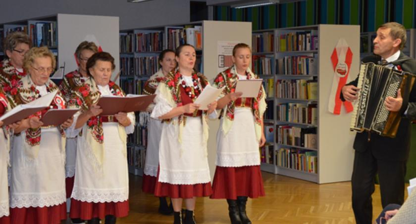 """BLOGI, spotkanie zespołem """"Mianka"""" Bibliotece - zdjęcie, fotografia"""