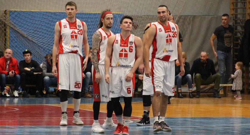 KOSZYKÓWKA, Basket uległ Warszawa - zdjęcie, fotografia