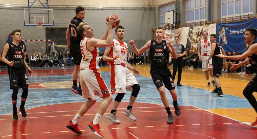 KOSZYKÓWKA, Basket pewnie wygrywa rezerwami Startu Lublin - zdjęcie, fotografia
