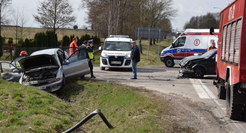 WYPADEK, Łubin Kościelny Wypadek dwóch osobówek - zdjęcie, fotografia