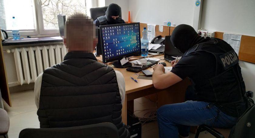 """PRZESTĘPSTWA I WYKROCZENIA, Bielsk Podlaski Bielszczanin podejrzany usiłowanie oszustwa metodą """"na policjanta"""" - zdjęcie, fotografia"""