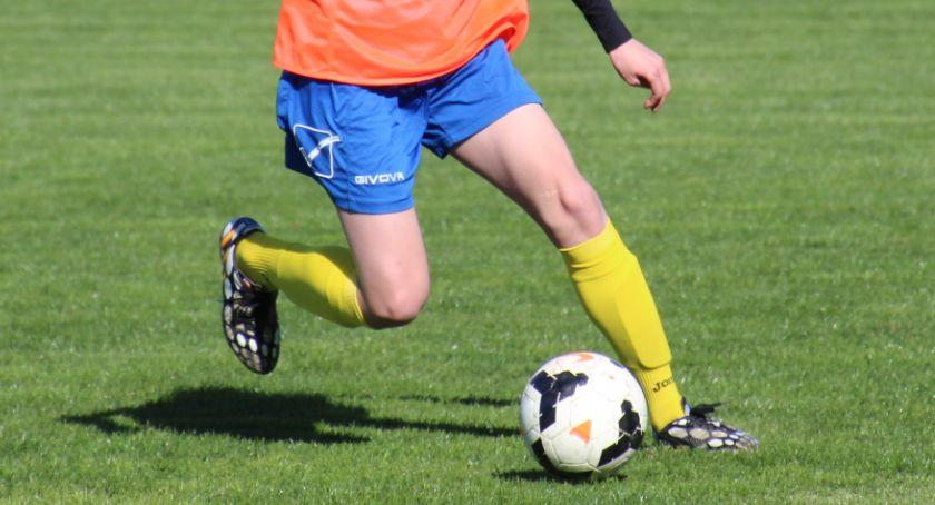 PIŁKA NOŻNA, Bielsk Podlaski grała piłkarska młodzież MOSiR - zdjęcie, fotografia