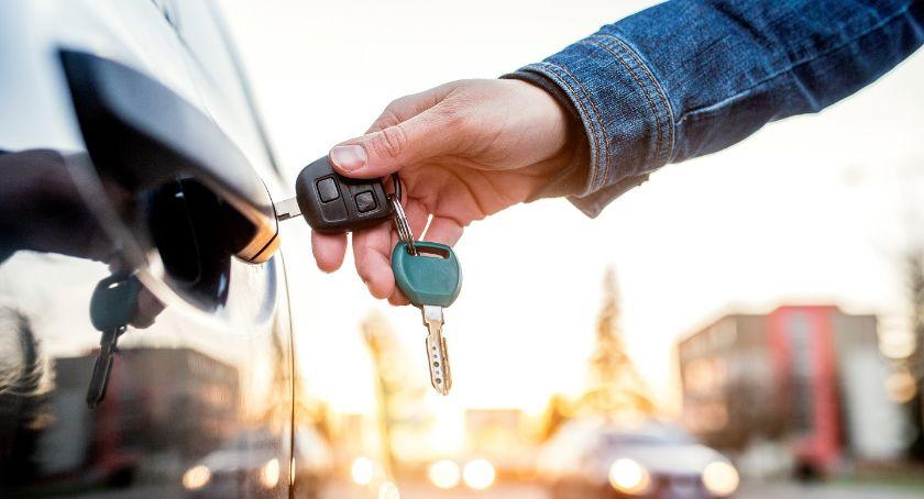 REKREACJA, Mniej paliwo ubezpieczenie zaoszczędzić utrzymaniu samochodu - zdjęcie, fotografia