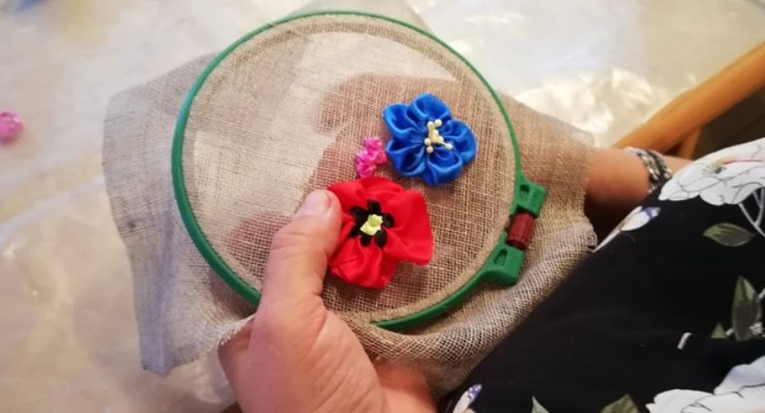 REKREACJA, Warsztaty haftu wstążeczkowego - zdjęcie, fotografia