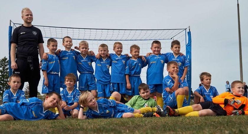 PIŁKA NOŻNA, Bielsk Podlaski grała piłkarska młodzież Akademii MOSiR - zdjęcie, fotografia