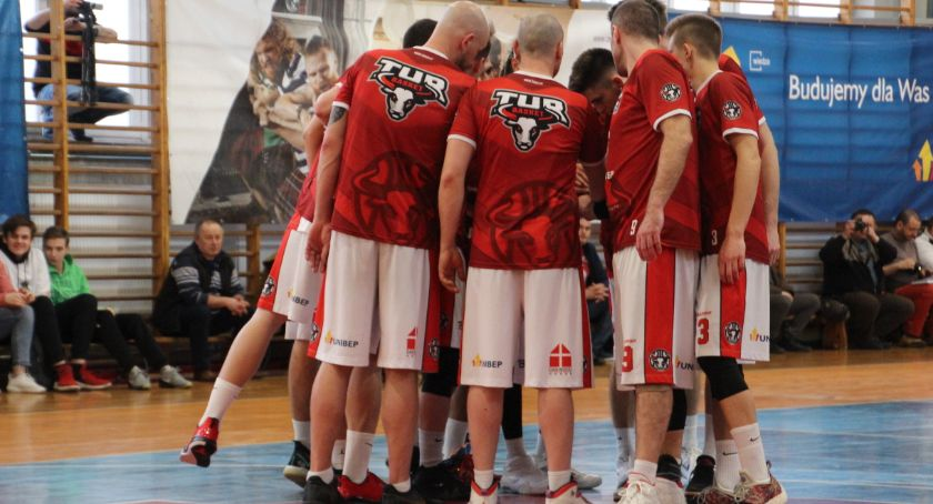 KOSZYKÓWKA, Basket rozpoczyna sezon Mężczyzn - zdjęcie, fotografia