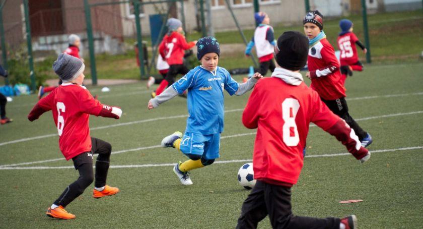 PIŁKA NOŻNA, grała piłkarska Akademia MOSiR - zdjęcie, fotografia