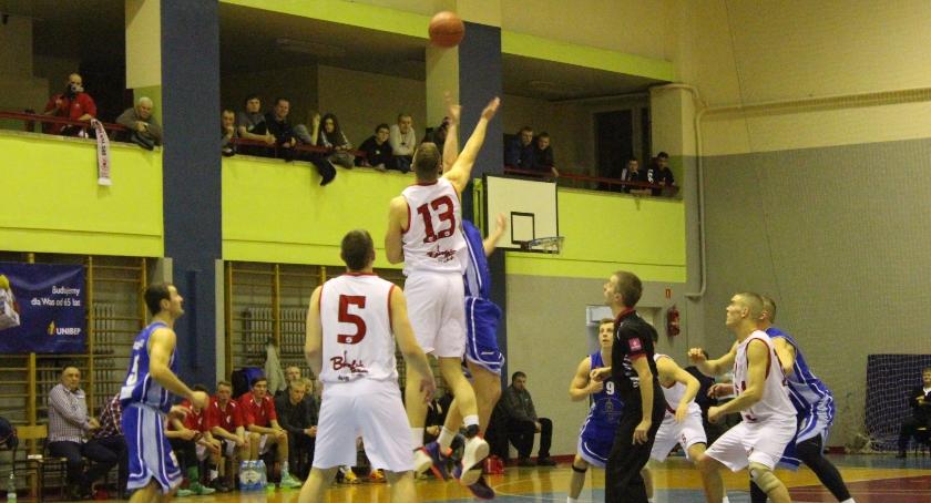 KOSZYKÓWKA, Basket Bielsk Podlaski przegrywa Księżakiem Łowicz - zdjęcie, fotografia