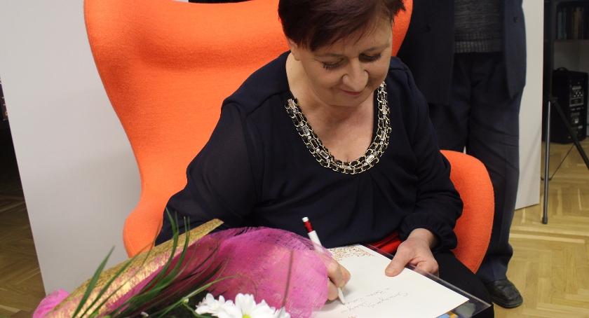 Książka , Spotkanie autorskie Anną Zajączkowską Miejskiej Bibliotece Publicznej - zdjęcie, fotografia