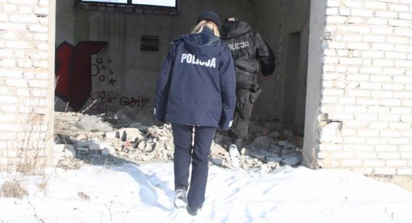 """PREWENCJA, """"Nie bądźmy obojętni"""" akcja bielskiej Policji - zdjęcie, fotografia"""