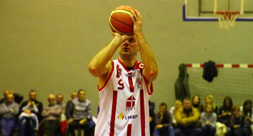 KOSZYKÓWKA, Basket przegrywa Księżakiem Łowicz - zdjęcie, fotografia