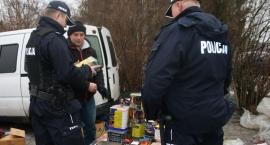 Policja kontroluje punkty sprzedające pirotechnikę