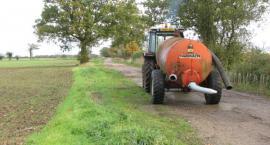 Gospodarstwo Rolne w Parcewie znów wywozi gnojowice na pola