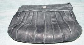 Policja szuka właściciela torebki