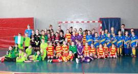 Włókniarz Białystok wygrywa halowy turniej dziewcząt w Bielsku Podlaskim
