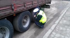 Bielska policja kontroluje tiry i autobusy (zdjęcia)