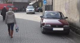 44-latek potrącił 65-letnią kobietę przy ulicy Krynicznej w Bielsku Podlaskim