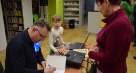 Promocja książki Artura Zygmuntowicza w Miejskiej Bibliotece Publicznej