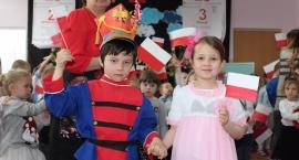 Dzień Flagi Rzeczypospolitej Polskiej w Przedszkolu Nr 3 z Oddziałami Integracyjnymi